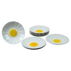 Set of 8 Ceramic Daisy Plates, Gien, France, circa 1950's
