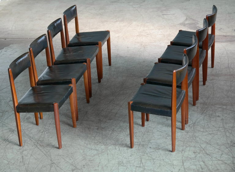 Mid-Century Modern Set of 8 Danish 1950s Dining Chairs of Teak and Leather by Fritz Hansen For Sale