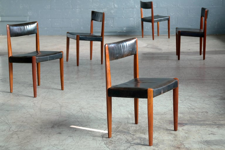 Set of 8 Danish 1950s Dining Chairs of Teak and Leather by Fritz Hansen In Good Condition For Sale In Bridgeport, CT