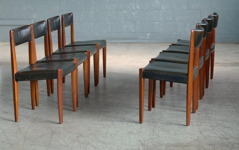 Mid-20th Century Set of 8 Danish 1950s Dining Chairs of Teak and Leather by Fritz Hansen For Sale