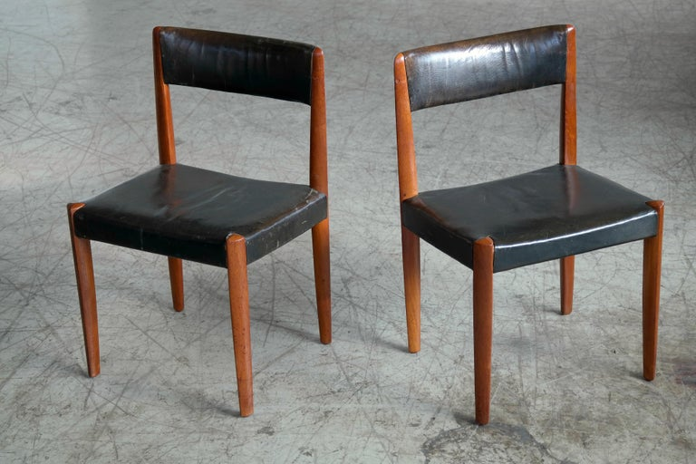 Set of 8 Danish 1950s Dining Chairs of Teak and Leather by Fritz Hansen For Sale 2