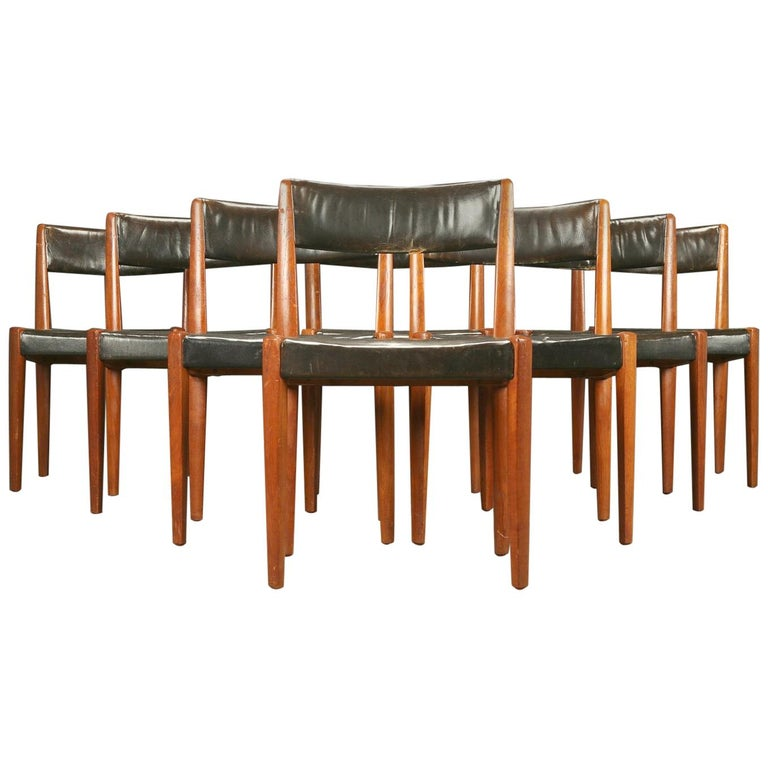 Set of 8 Danish 1950s Dining Chairs of Teak and Leather by Fritz Hansen For Sale