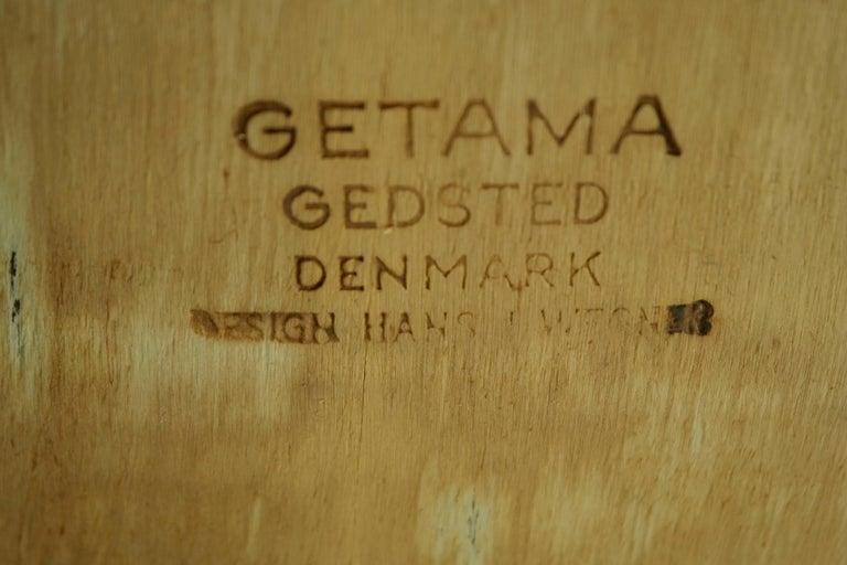 Set of 8 Danish Hans Wegner Oak Dining Chairs for GETAMA For Sale 4