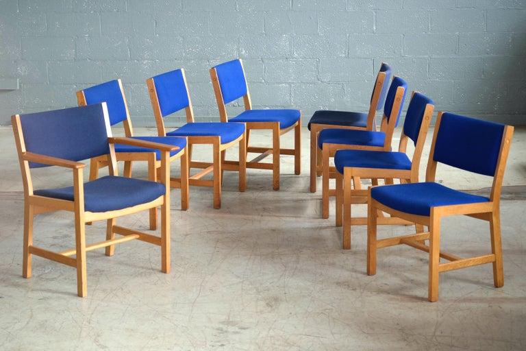Set of 8 Danish Hans Wegner Oak Dining Chairs for GETAMA For Sale 5