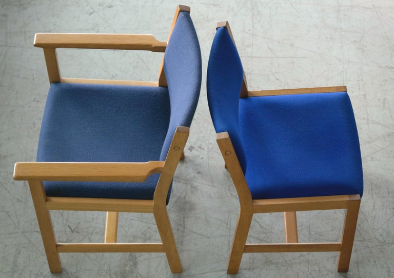 Set of 8 Danish Hans Wegner Oak Dining Chairs for GETAMA For Sale 2