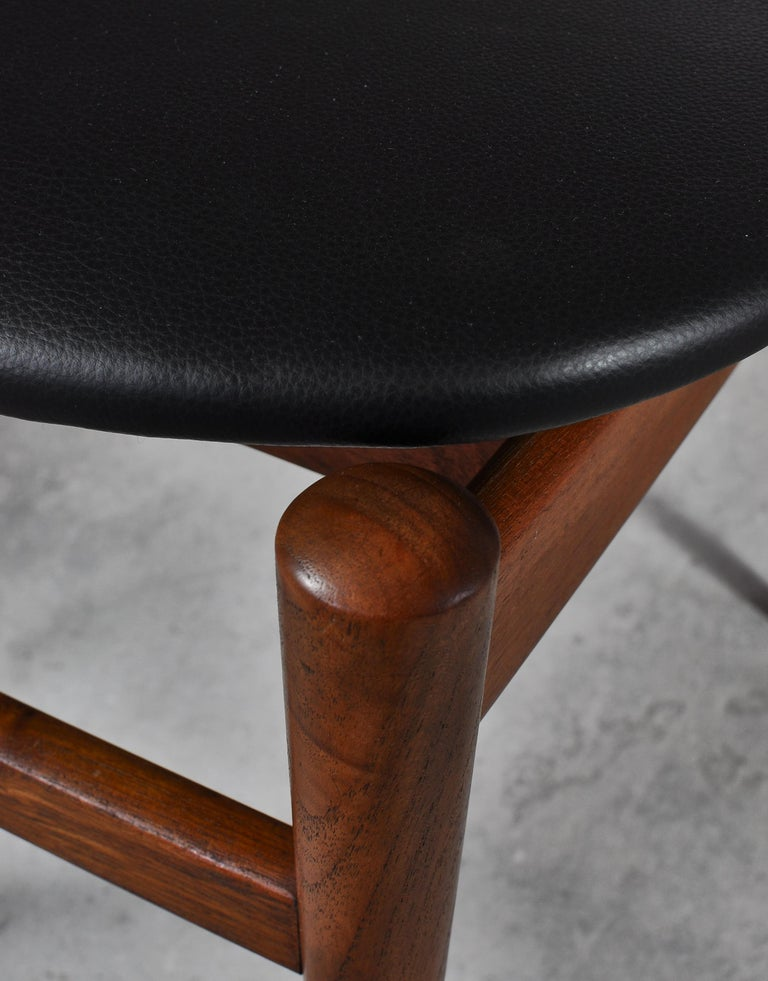 Set of 8 Danish Modern Dining Chairs Teak and Black Leather by Inge Rubino, 1963 For Sale 6