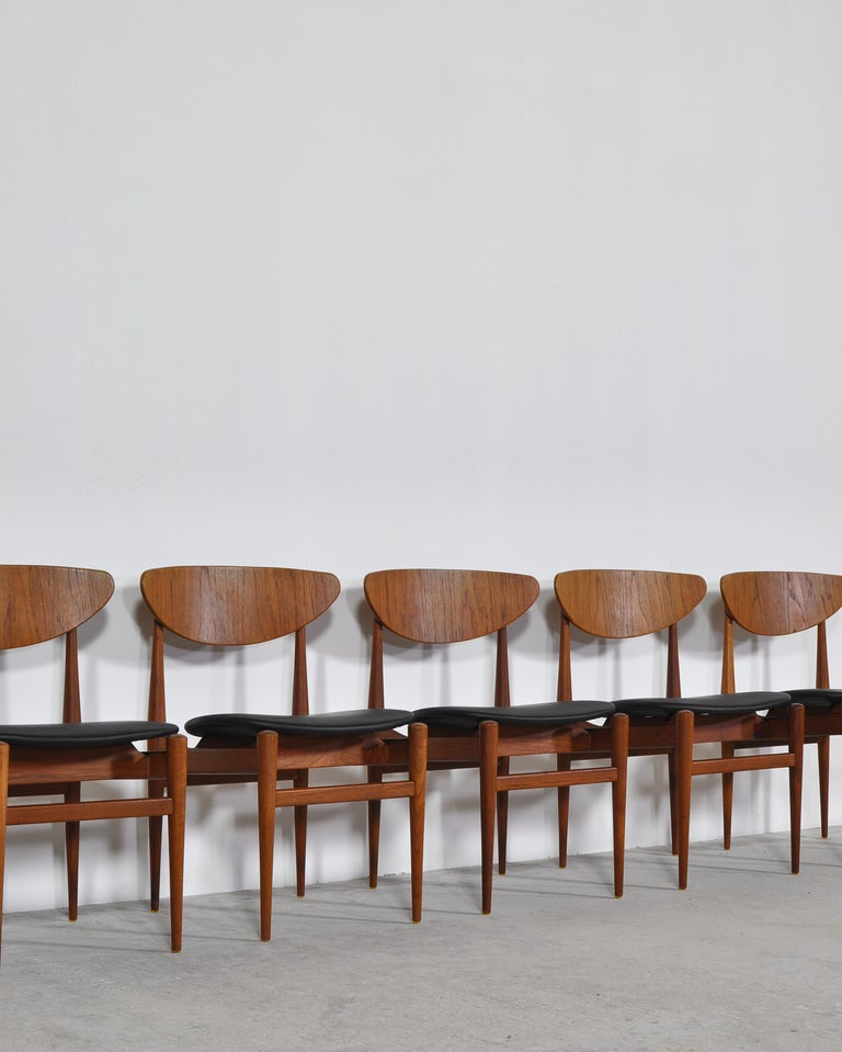 Set of 8 Danish Modern Dining Chairs Teak and Black Leather by Inge Rubino, 1963 For Sale 8