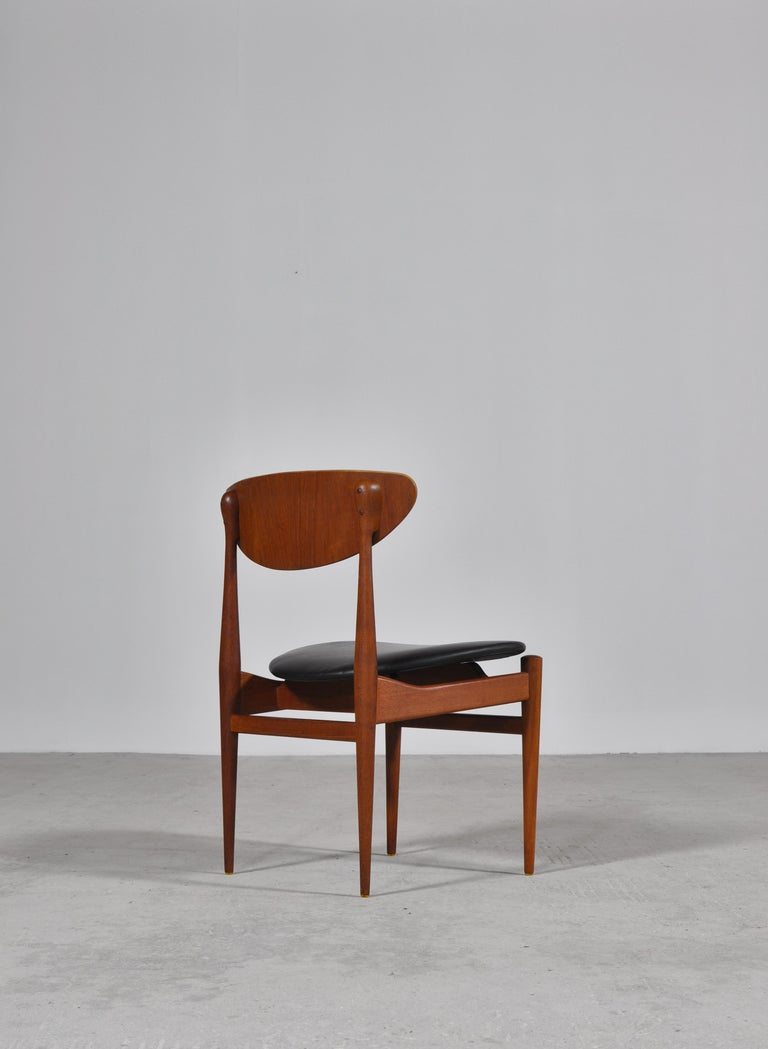 Set of 8 Danish Modern Dining Chairs Teak and Black Leather by Inge Rubino, 1963 For Sale 1