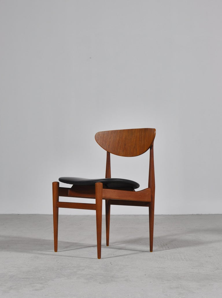 Set of 8 Danish Modern Dining Chairs Teak and Black Leather by Inge Rubino, 1963 For Sale 2