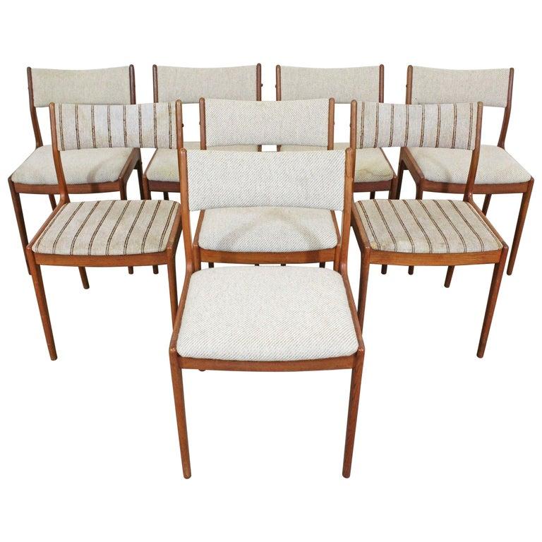 Set of 8 Danish Modern Johannes Andersen Uldum Mobelfrabrik Teak Dining Chairs