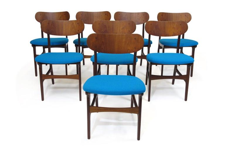 Scandinavian Modern Set of 8 Danish Teak Dining Chairs For Sale