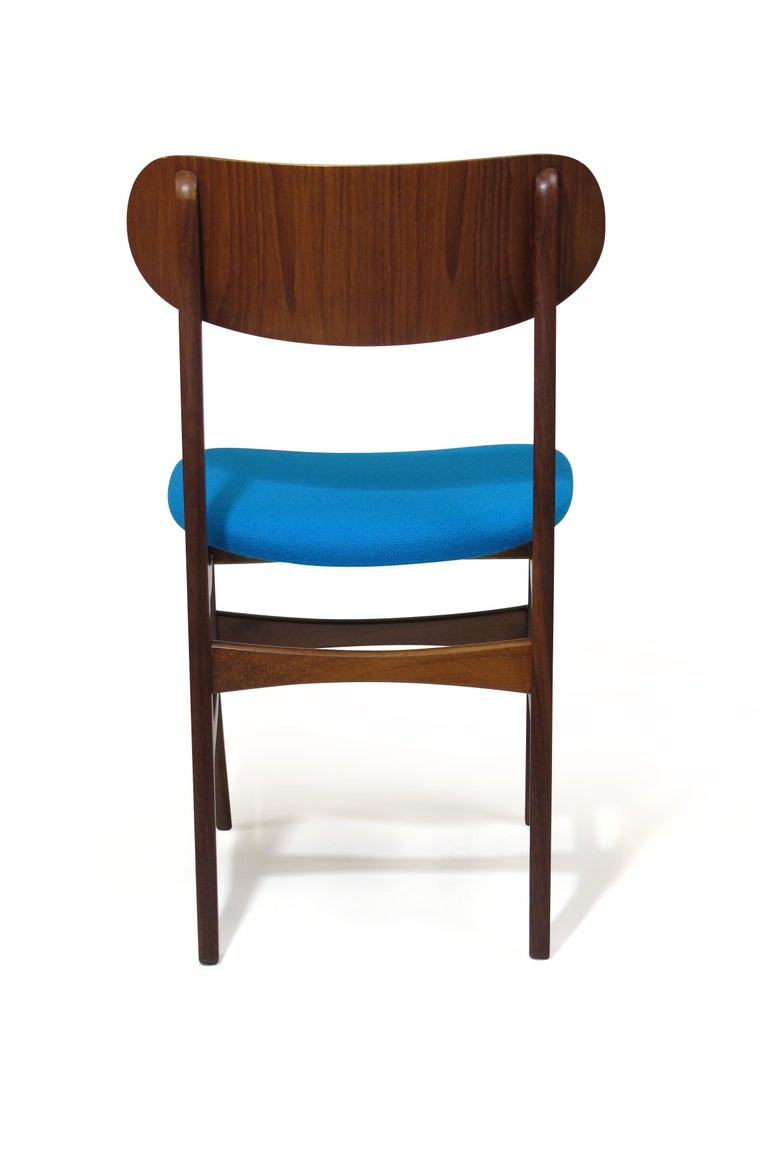 Set of 8 Danish Teak Dining Chairs In Excellent Condition For Sale In Berkeley, CA