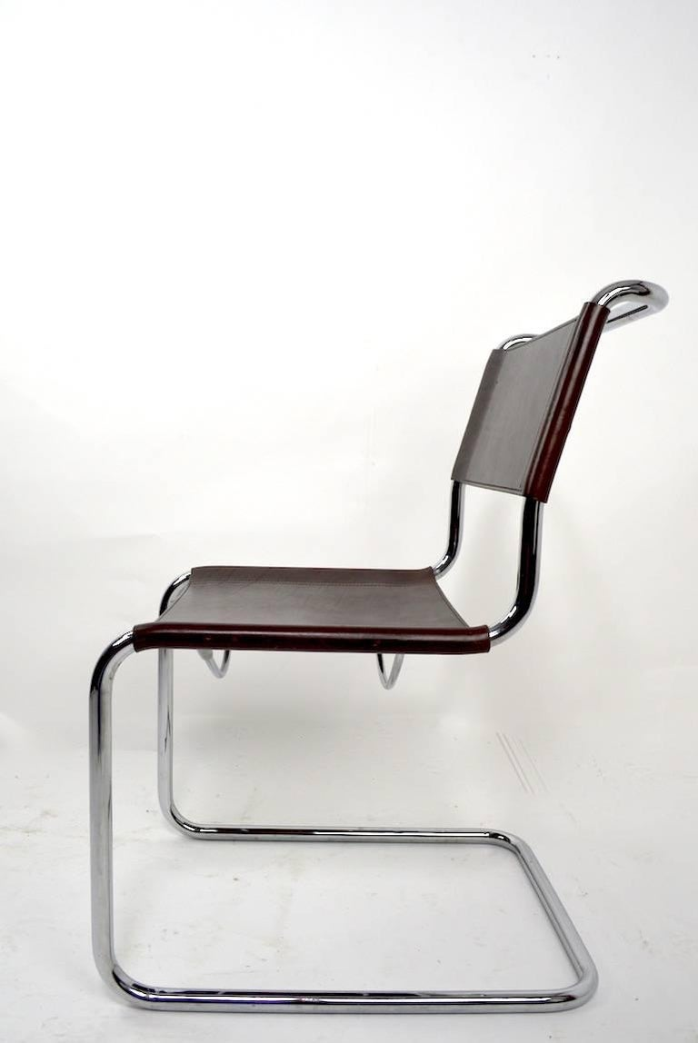 International Style Set of Eight Dining Chairs by Breuer in Chrome and Leather For Sale