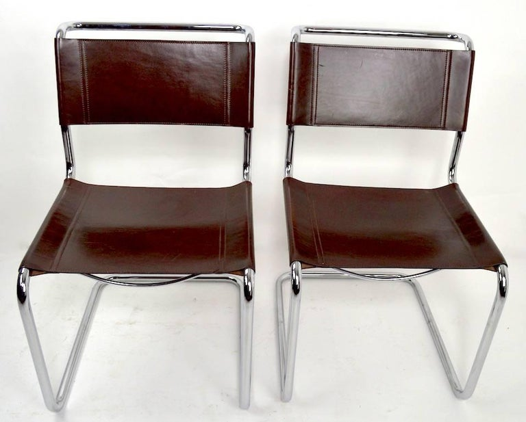 Set of Eight Dining Chairs by Breuer in Chrome and Leather For Sale 1
