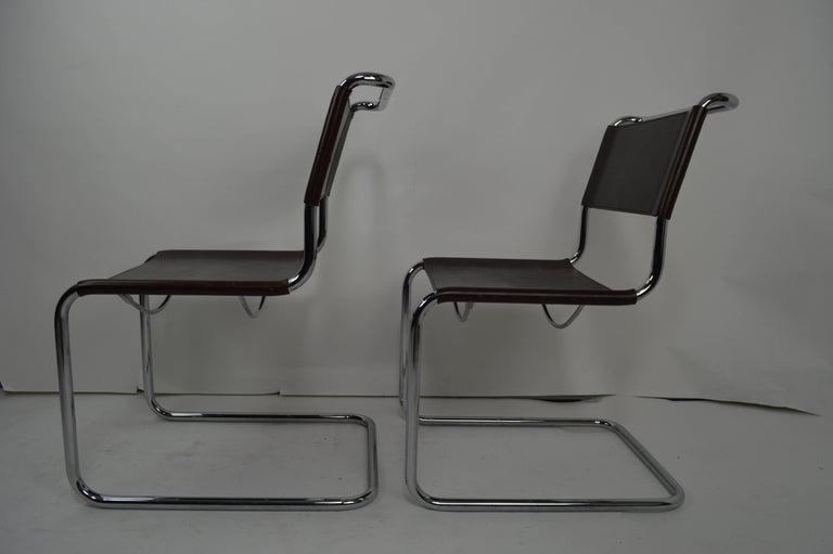 Set of Eight Dining Chairs by Breuer in Chrome and Leather For Sale 3