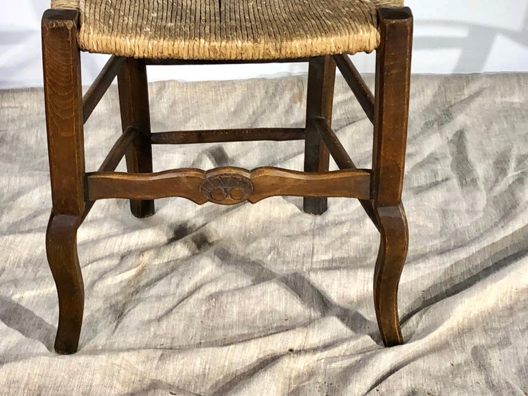 Set of 8 French Country Dining Chairs In Good Condition In Doylestown, PA