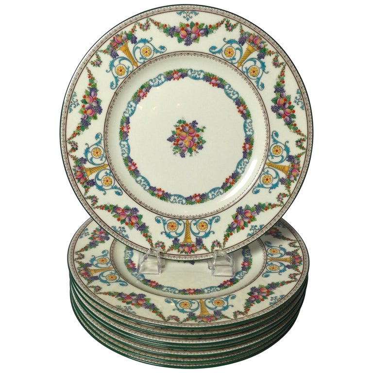 Set of 8 Hand Enameled English Plates by Wedgwood, 1930s For Sale
