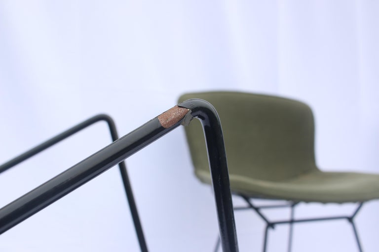 Set of 6 or 8 Harry Bertoia for Knoll Wire Chairs, 1960s-1970s For Sale 7