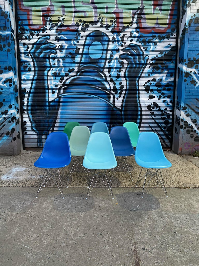 Set of 8 Herman Miller Eames Dining Chairs with Eiffel Base In Good Condition For Sale In Brooklyn, NY