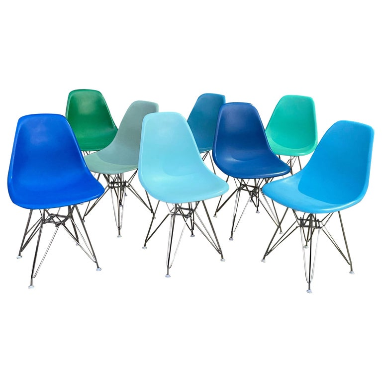 Set of 8 Herman Miller Eames Dining Chairs with Eiffel Base For Sale