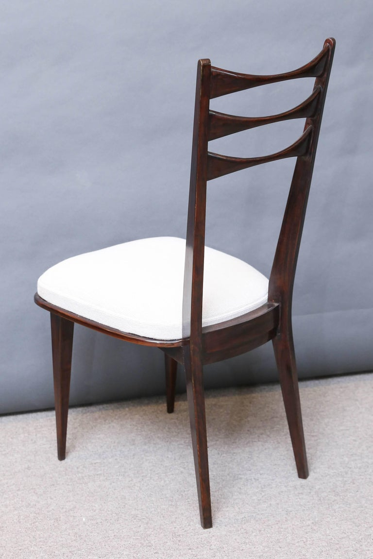 Set of Eight Italian Midcentury Dinning Chairs In Excellent Condition For Sale In Houston, TX
