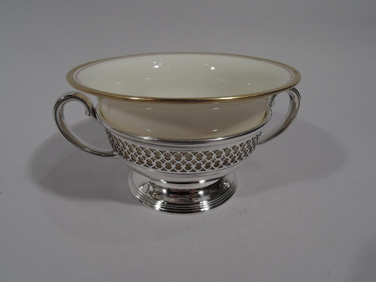 Set of 8 Lenox Porcelain Bouillon Bowls in Tiffany Sterling Silver Holders In Excellent Condition For Sale In New York, NY