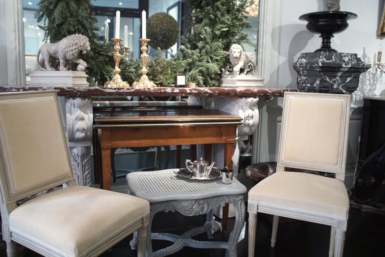 Set of 8 Louis XVI Style Chairs In Good Condition For Sale In Montreal, Quebec