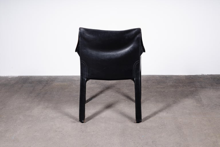 Set of 8 Mario Bellini CAB 414 & 412 Chairs in Black Leather for Cassina For Sale 1