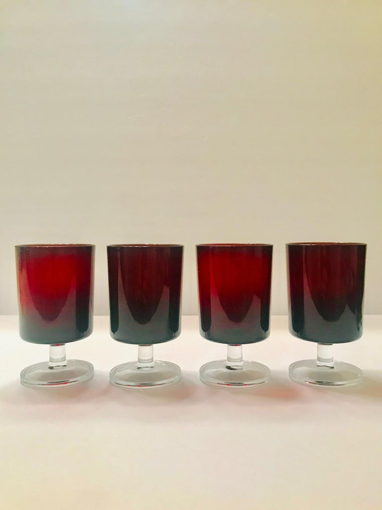 French Set of 8 Mid-Century Modern Red Garnet Wine Goblets by Cristal d'Arques For Sale