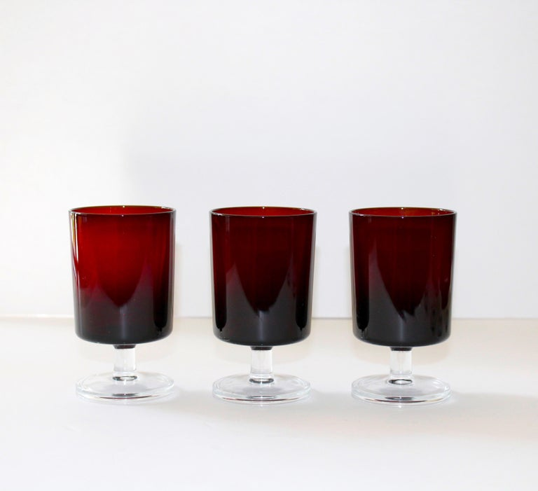 Crystal Set of 8 Mid-Century Modern Wine Glasses in Red, 1960s For Sale