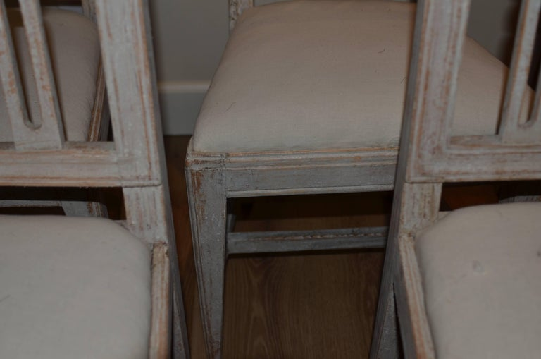Set of Eight Period Swedish Gustavian Dining Chairs In Good Condition For Sale In Encinitas, CA