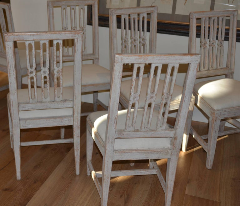 Set of Eight Period Swedish Gustavian Dining Chairs For Sale 1