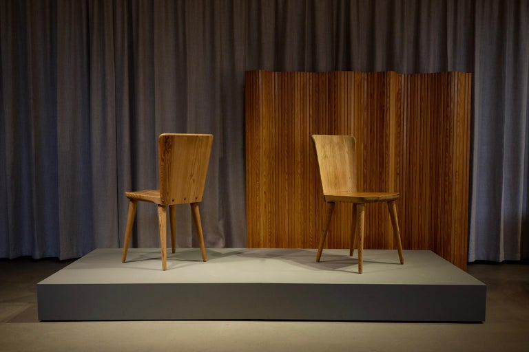 Set of 12 Swedish Pine Chairs by Göran Malmvall, Svensk Fur, 1940s For Sale 3