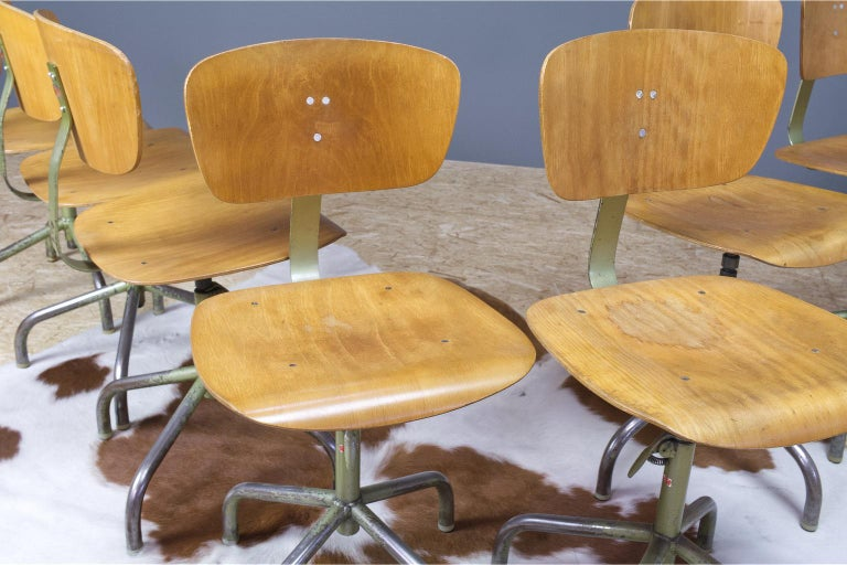 Mid-20th Century Set of 8 Vintage Desk Swivel Chairs in Metal and Plywood, Germany, 1960s