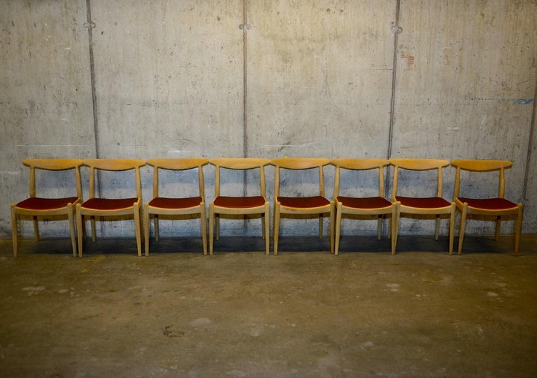 Danish Set of 8 W1 Oak and Leather Chairs by Hans J. Wegner, 1950s, C.M. Madsens DK For Sale
