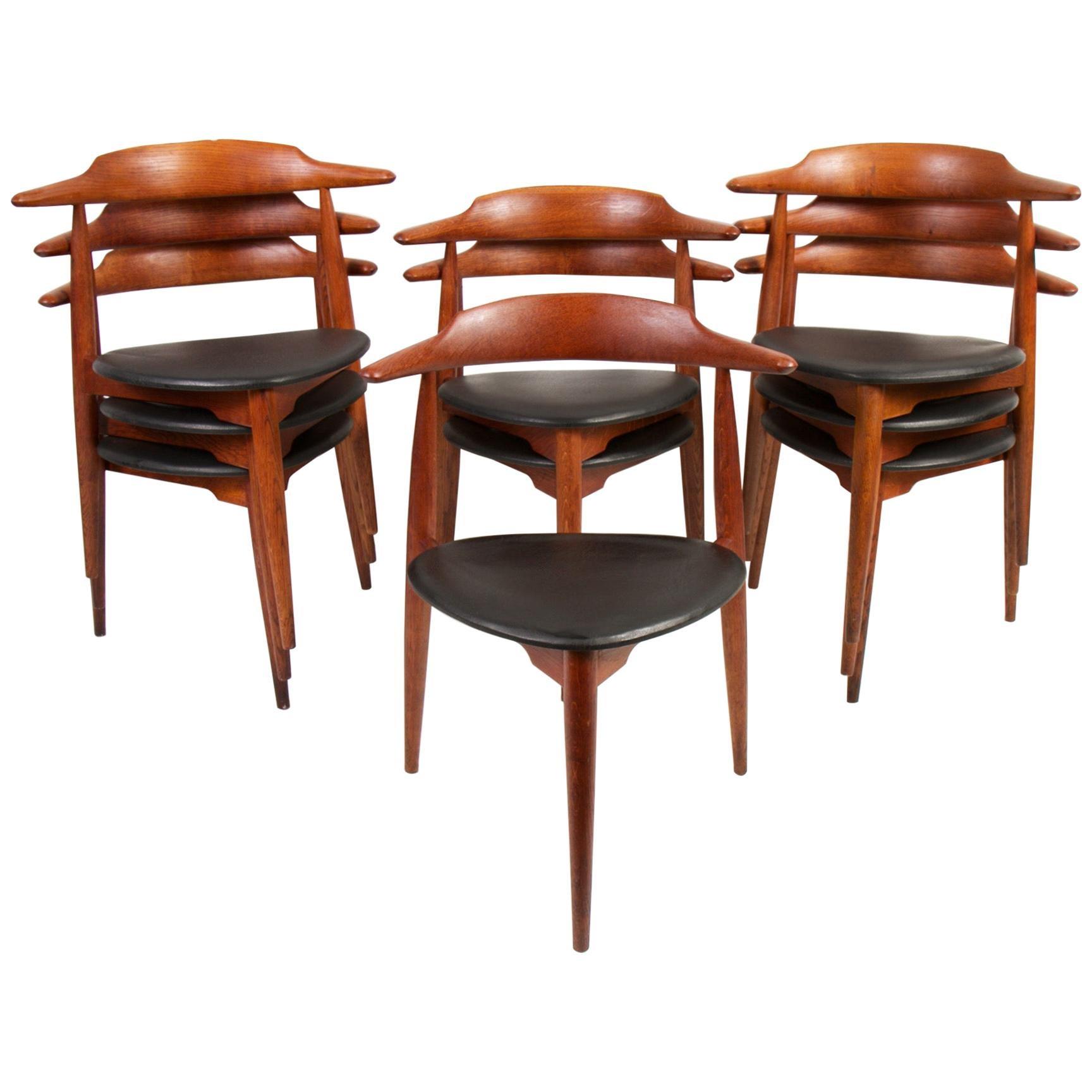 Set of 9 Hans Wegner Stacking Chairs for Fritz Hansen Model 4104