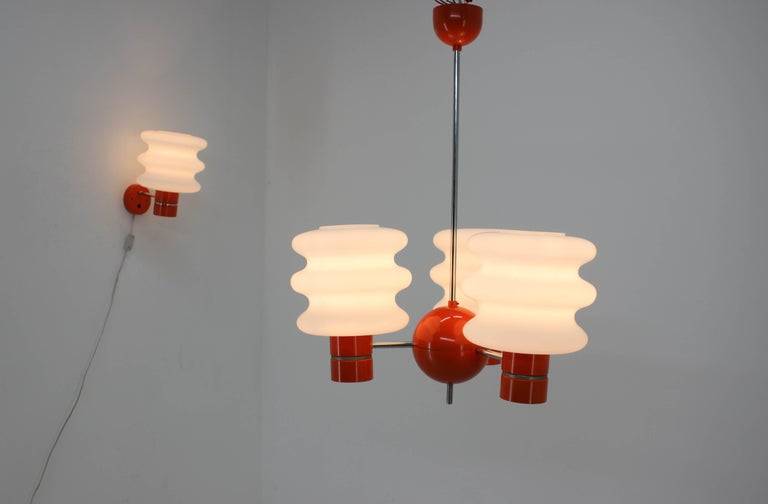 Beautiful set of chandelier and wall lamp in Space Age style. Original very good condition. Made in Czechoslovakia in 1970s by Napako. 220V, E27.
