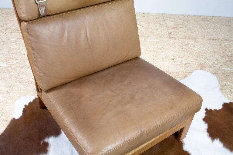 Set of Danish High Back Lounge Chairs in Tan Leather and Oak, 1960s Komfort For Sale 3