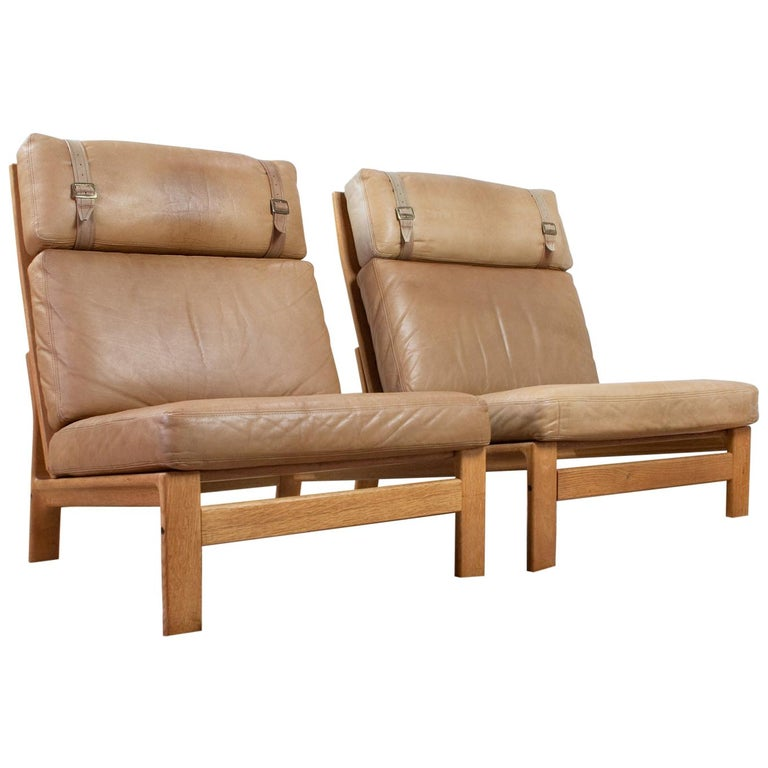 Set of Danish High Back Lounge Chairs in Tan Leather and Oak, 1960s Komfort For Sale