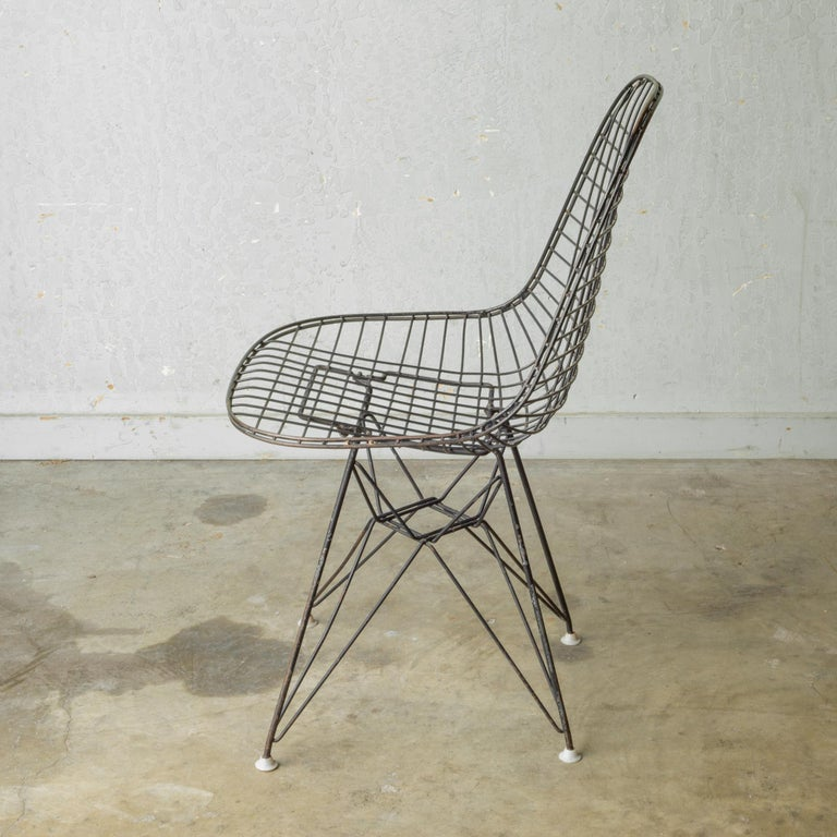 Set of Eames for Herman Miller Wire DKR Chairs, circa 1950 For Sale 4