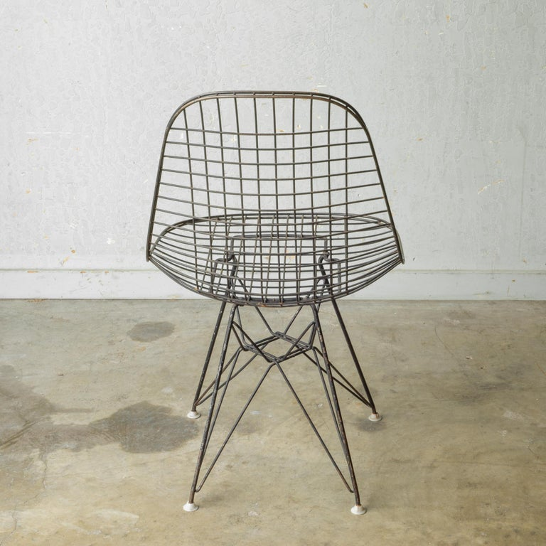 Set of Eames for Herman Miller Wire DKR Chairs, circa 1950 For Sale 5