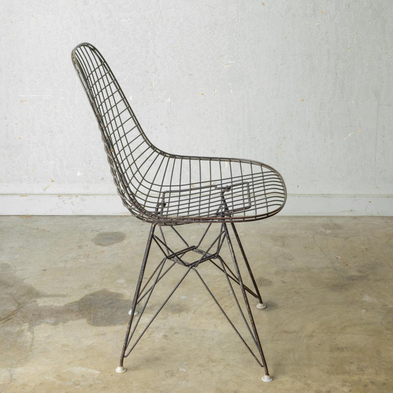 Set of Eames for Herman Miller Wire DKR Chairs, circa 1950 For Sale 6