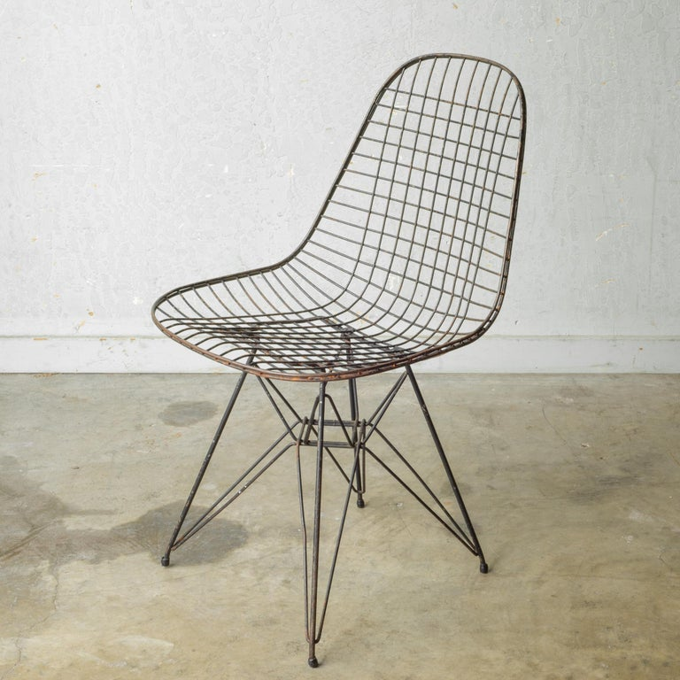 Set of Eames for Herman Miller Wire DKR Chairs, circa 1950 For Sale 7