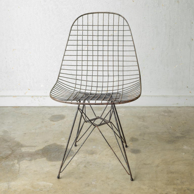 Set of Eames for Herman Miller Wire DKR Chairs, circa 1950 For Sale 8