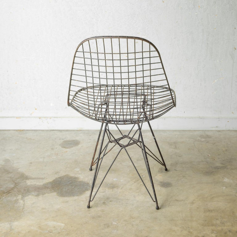 Set of Eames for Herman Miller Wire DKR Chairs, circa 1950 For Sale 10