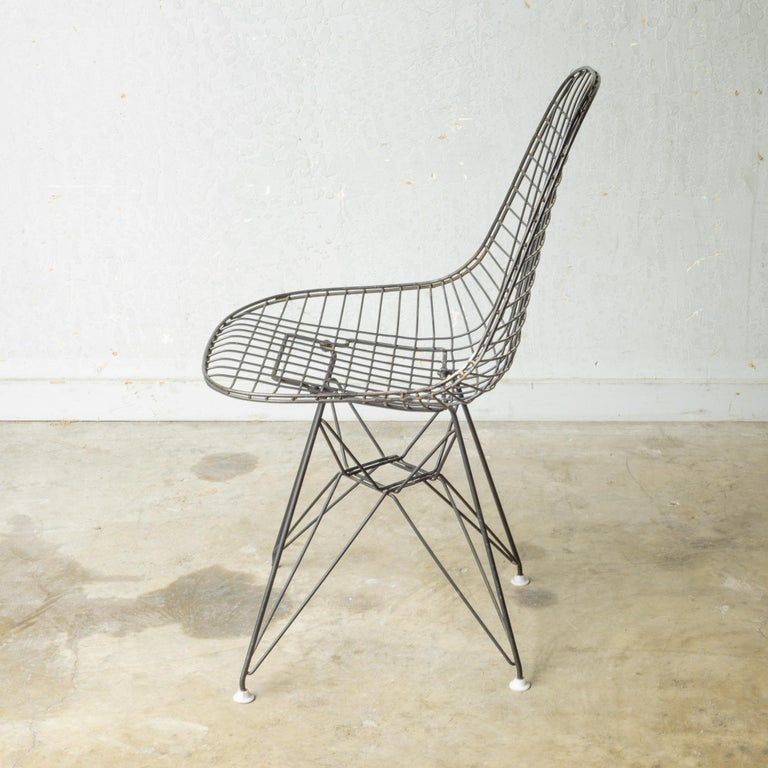 Set of Eames for Herman Miller Wire DKR Chairs, circa 1950 For Sale 14