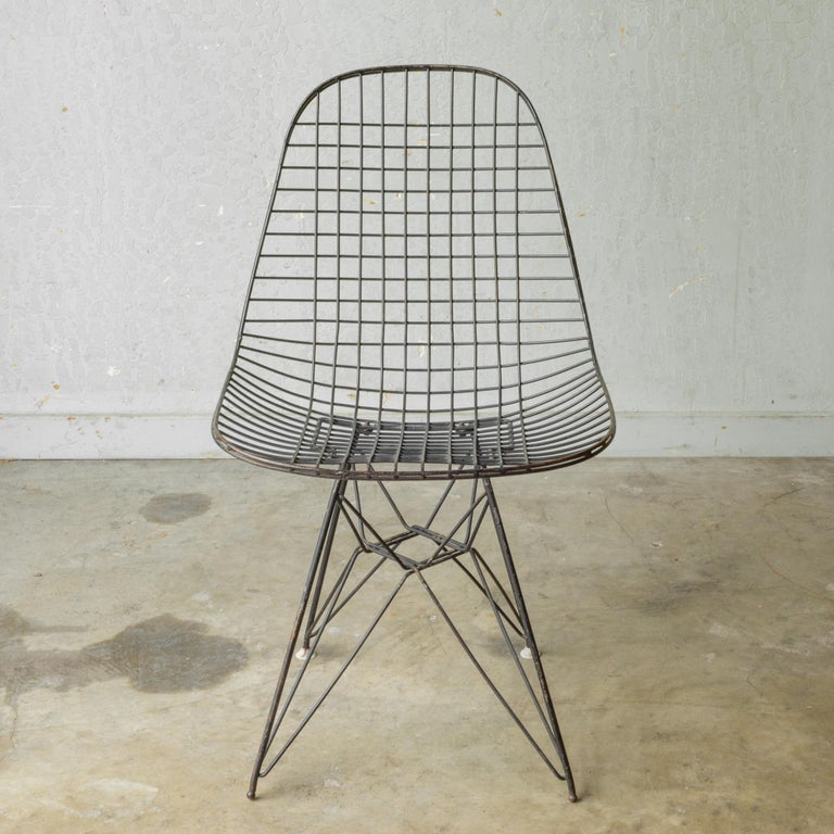 Set of Eames for Herman Miller Wire DKR Chairs, circa 1950 In Good Condition For Sale In San Francisco, CA