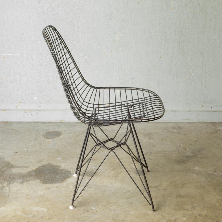 Set of Eames for Herman Miller Wire DKR Chairs, circa 1950 For Sale 1