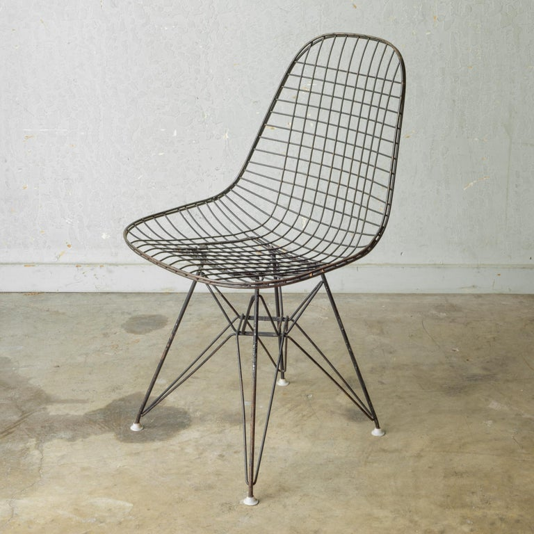 Set of Eames for Herman Miller Wire DKR Chairs, circa 1950 For Sale 2