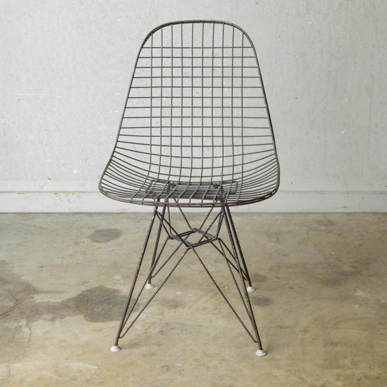 Set of Eames for Herman Miller Wire DKR Chairs, circa 1950 For Sale 3